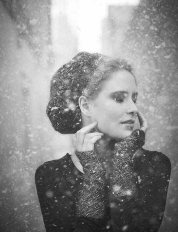 femeie iarna