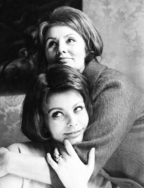 sophia și mama Irving penn