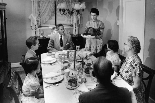 27-thanksgiving-dinner-vintage.w710.h473