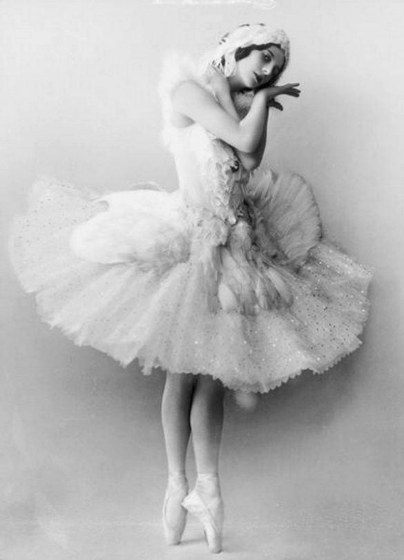 Anna_Pavlova_as_the_Dying_Swan