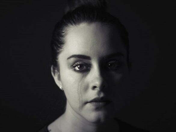 femeie suferinta