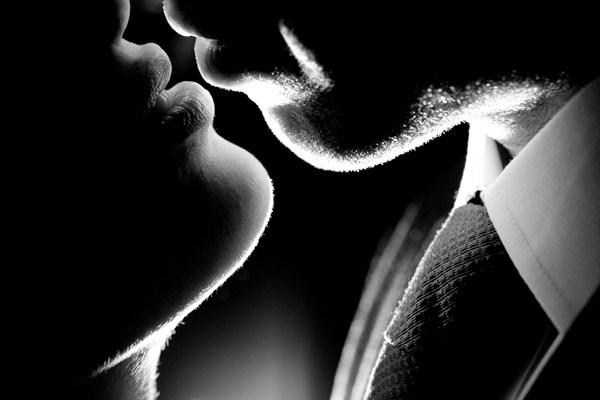 sexy-black-and-white-wedding-portrait-daniel-stark-photography