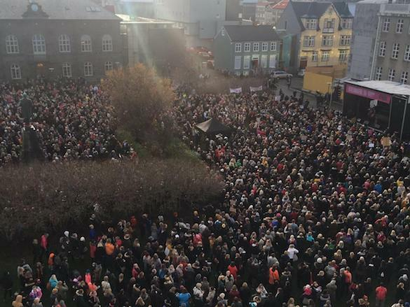 women-iceland-protest-twitter