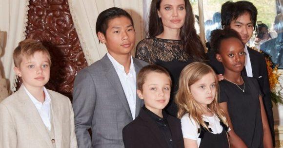 Angelina-Jolie-and-kids