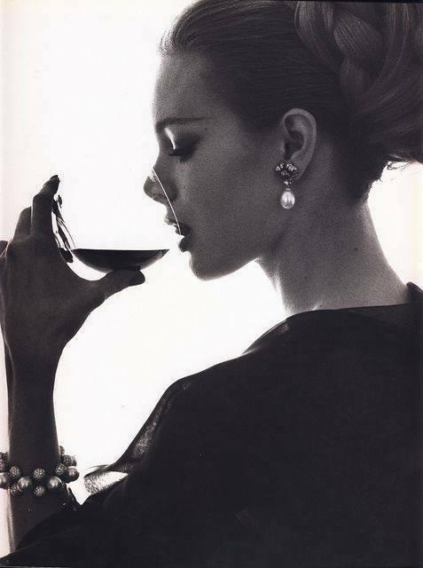 femeie vin