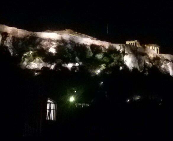 panteonul noaptea