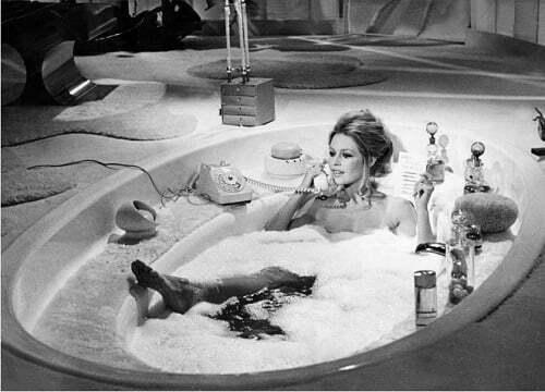 femeie baie cada