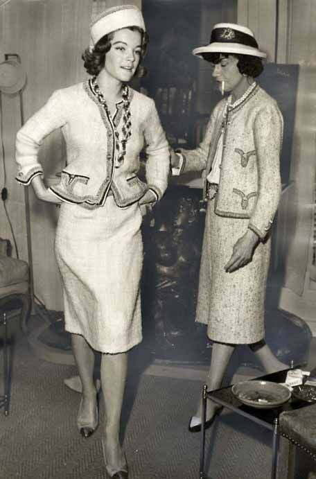 Beige, Bej. Coco Chanel et Romy Schneider - 1971