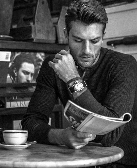 bărbat cafea succesul